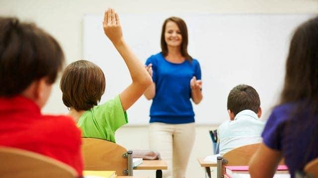 Наблюдават показатели за управление на класната стая