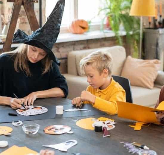Игра на шапка - учене на думи по английски език